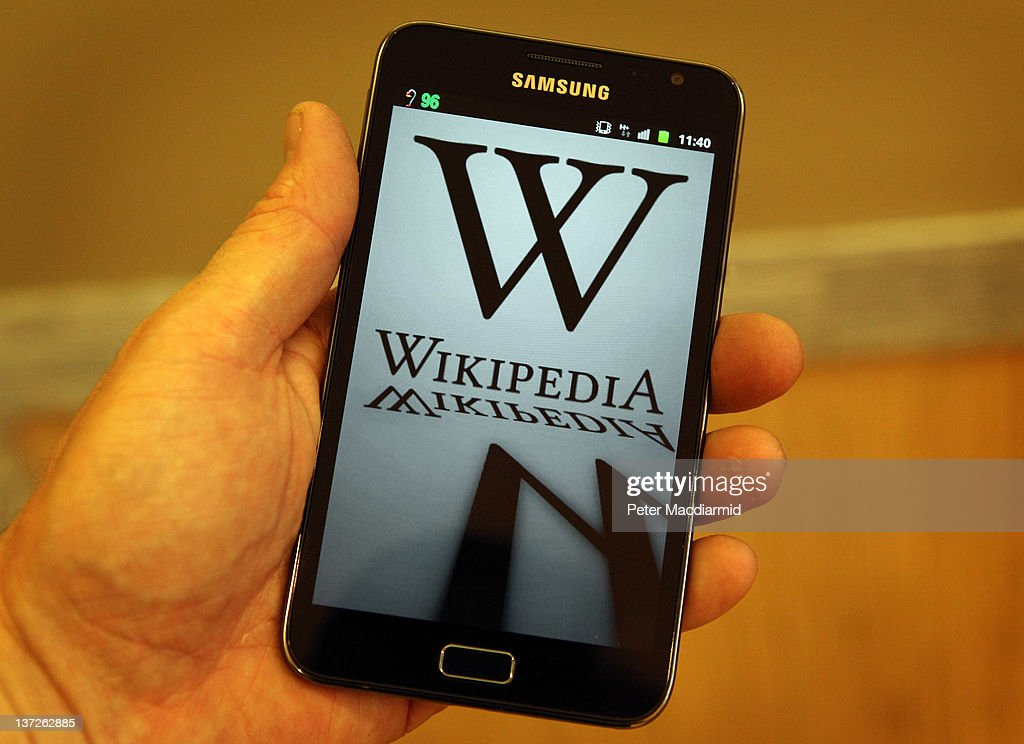 Wikipedia Imposes A 24 Hour Shutdown To Protest Over Web Piracy Bill : News Photo