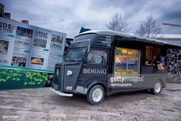 mobile food van near kings cross - temporary stock pictures, royalty-free photos & images