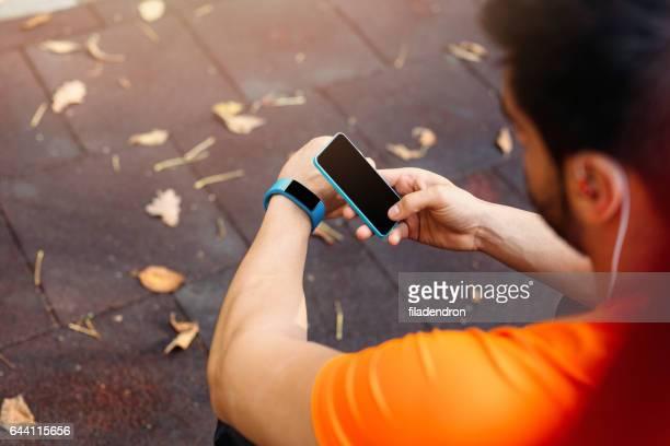 Gekoppelten Mobiltelefons an eine Smartwatch