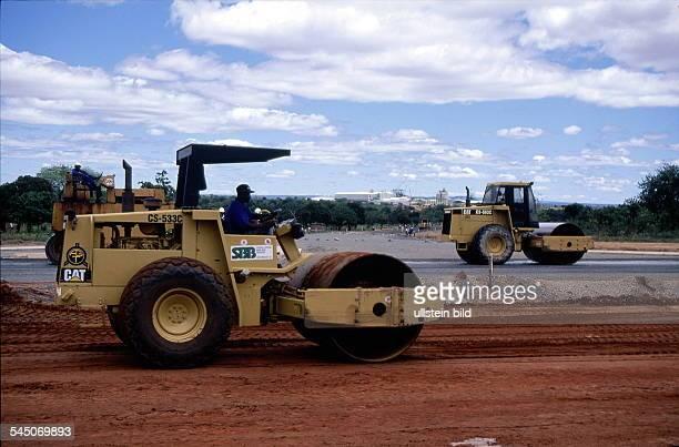 Bau einer Autobahn von Maputo nach Wittbank November 1999