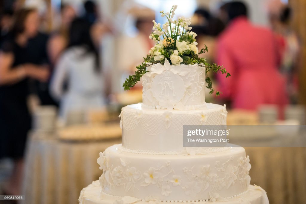 a mock wedding cake with the initials hm for prince harry and meghan news photo getty images https www gettyimages com detail news photo mock wedding cake with the initials hm for prince harry and news photo 960812066