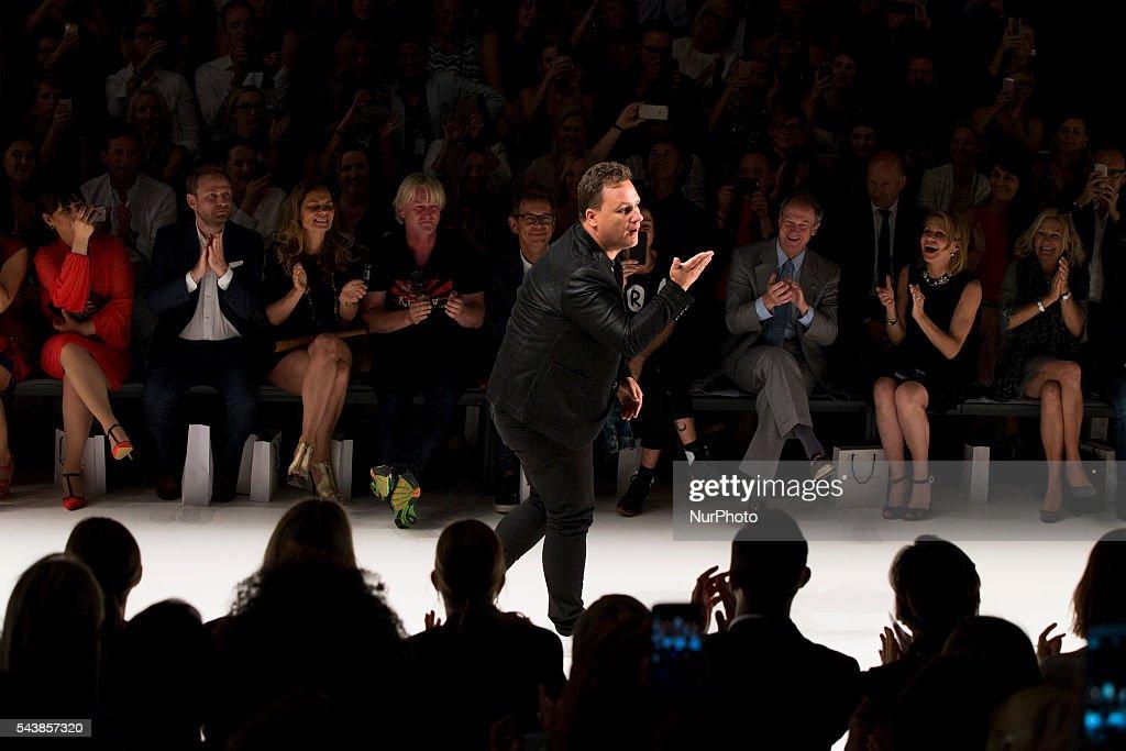 best value e2d31 69c7d Mode Designer Guido Maria Kretschmer aknowledges the ...