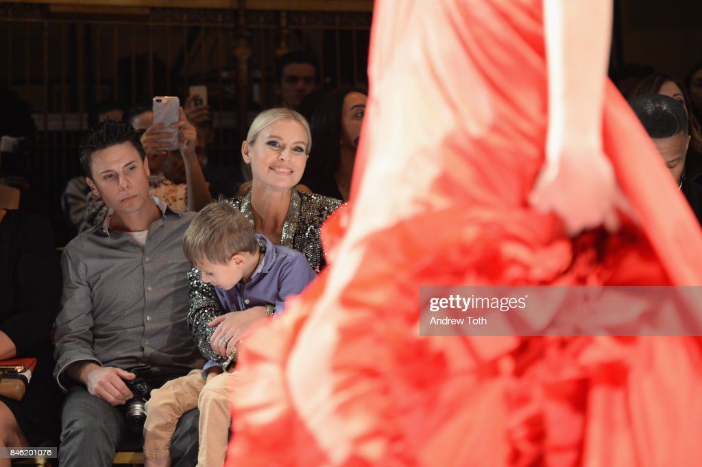 Mode Niki Taylor and her family attend the Sherri Hill NYFW SS18 Runway Show at Gotham Hall on September 12, 2017 in New York City.