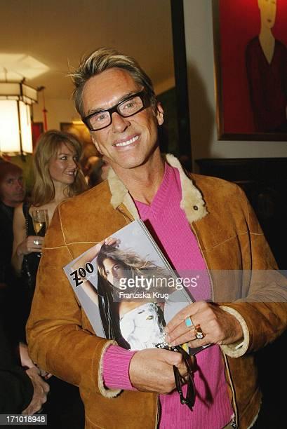 Modedesigner Wolfgang Joop Bei Der Premiere Des Neuen Fashion Style Magazin Zoo Im Berliner Chinaclub