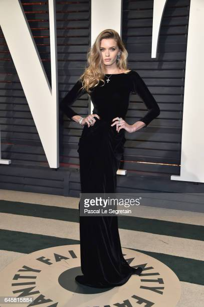 Model Abbey Lee attends the 2017 Vanity Fair Oscar Party hosted by Graydon Carter at Wallis Annenberg Center for the Performing Arts on February 26...