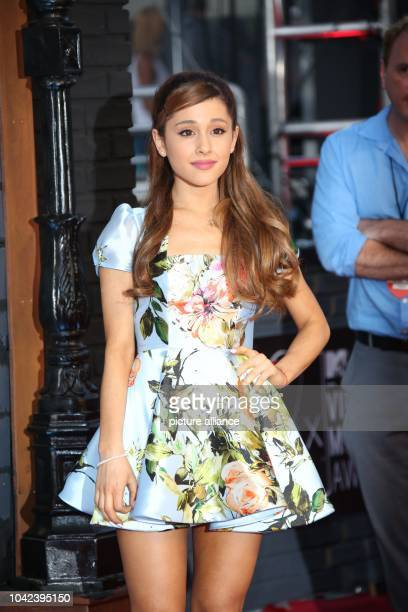 US model actress and singer Ariana Grande arrives on the red carpet for the MTV Video Music Awards at the Barclays Center in Brooklyn New York USA 25...