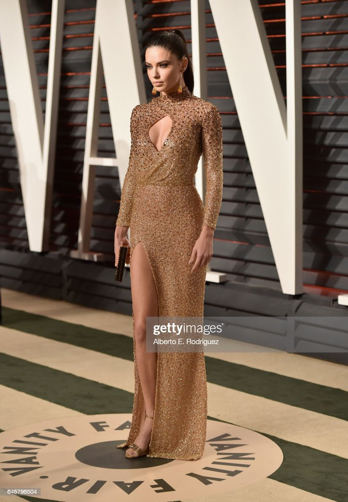 2017 Vanity Fair Oscar Party Hosted By Graydon Carter - Arrivals : News Photo
