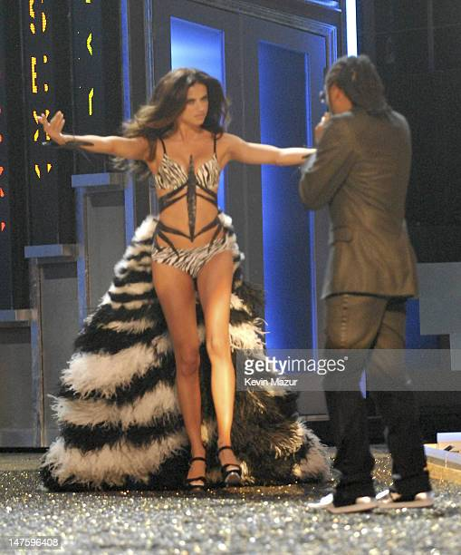 Model Adriana Lima during the 12th Annual Victoria's Secret Fashion Show at the Kodak Theater on November 15 2007 in Los Angeles