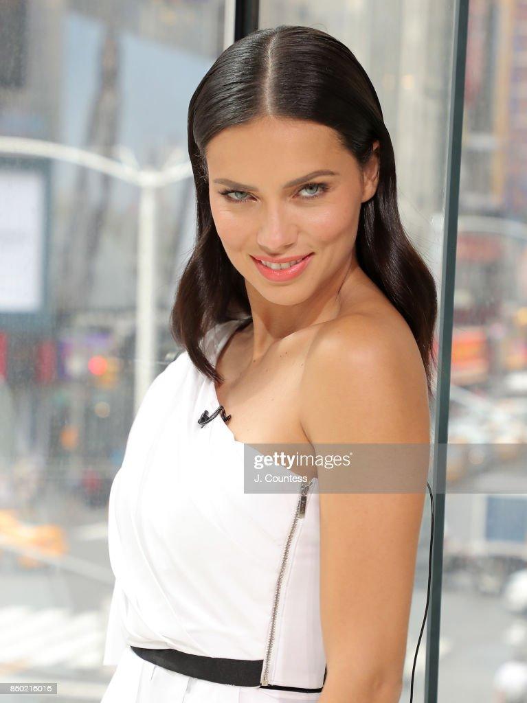 "Adriana Lima Visit's ""Extra"""