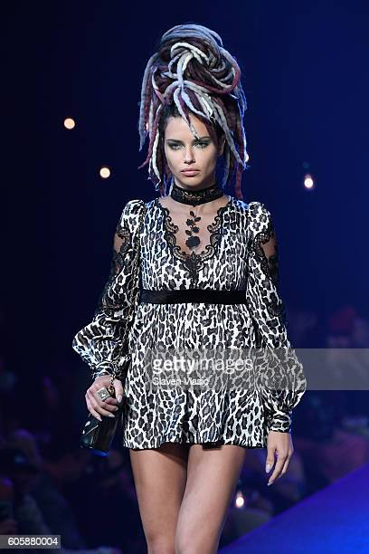 Model Adriana Lima walks the runway at the Marc Jacobs fashion show durin New York Fashion Week at Hammerstein Ballroom on September 15 2016 in New...