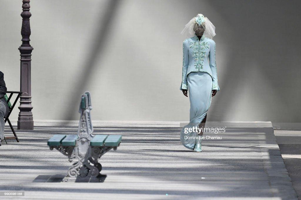 Chanel : Runway - Paris Fashion Week - Haute Couture Fall/Winter 2018-2019 : News Photo