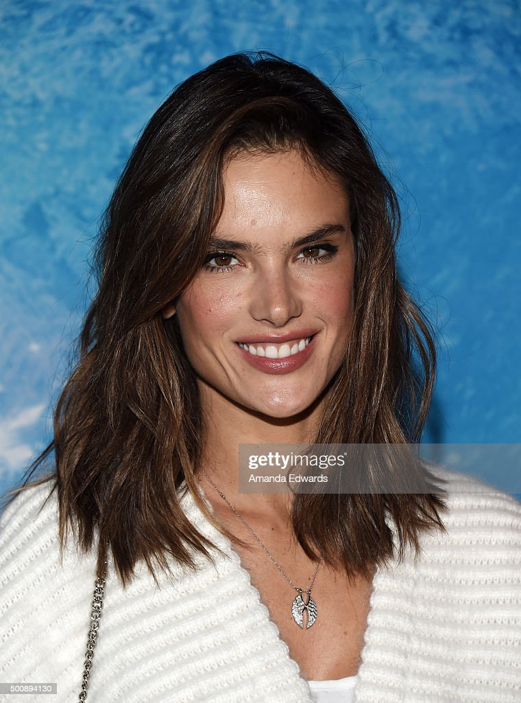 Model Alessandra Ambrosio arrives at the premiere of Disney On Ice's 'Frozen' at Staples Center on December 10, 2015 in Los Angeles, California.