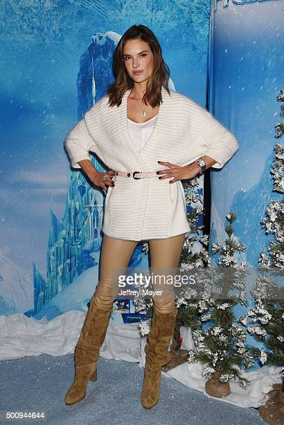 Model Alessandra Ambrosio arrives at the premiere of Disney On Ice's 'Frozen' at Staples Center on December 10 2015 in Los Angeles California