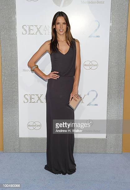 Model Alessandra Ambrosio attends 'Sex And The City 2' Premiere presented by MercedesBenz And Maybach at Radio City Music Hall on May 24 2010 in New...