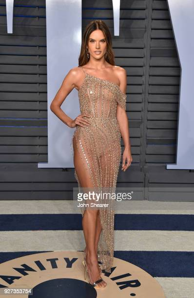 Model Alessandra Ambrosio attends the 2018 Vanity Fair Oscar Party hosted by Radhika Jones at Wallis Annenberg Center for the Performing Arts on...