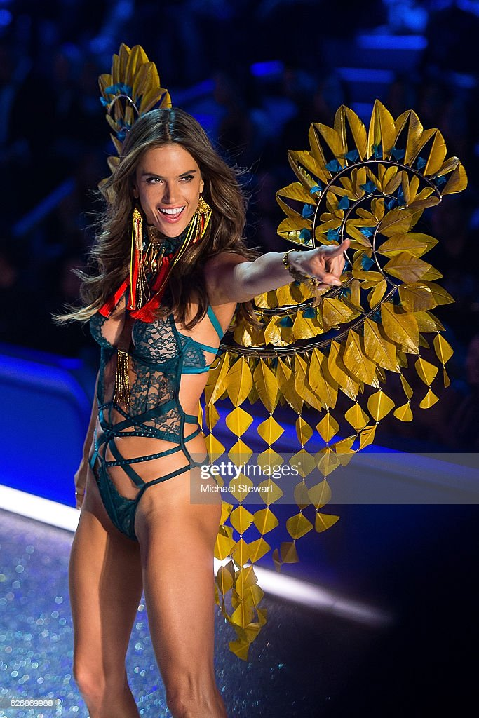 Model Alessandra Ambrosio walks the runway during the 2016 Victoria's Secret Fashion Show at Le Grand Palais in Paris on November 30, 2016 in Paris, France.