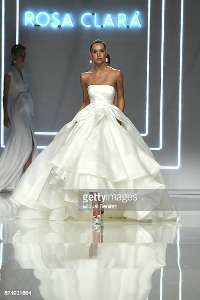 Model Alexis Ren walks the runway for the Rosa Clara bridal collection during the 'Barcelona Bridal Fashion Week 2016' at Fira Montjuic on April 26...