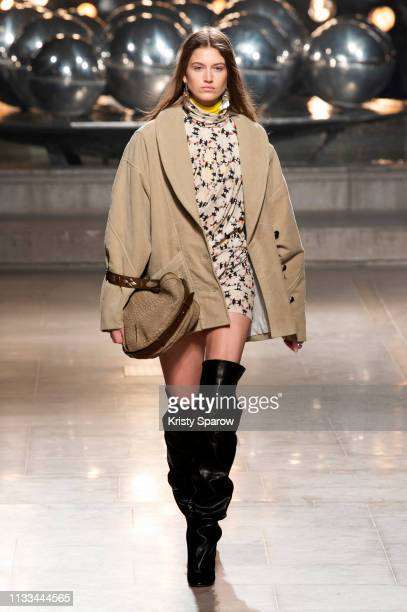 Model Altyn Simpson walks the runway during the Isabel Marant show as part of Paris Fashion Week Womenswear Fall/Winter 2019/2020 on February 28 2019...