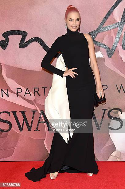 Model Amber Le Bon attends The Fashion Awards 2016 on December 5 2016 in London United Kingdom