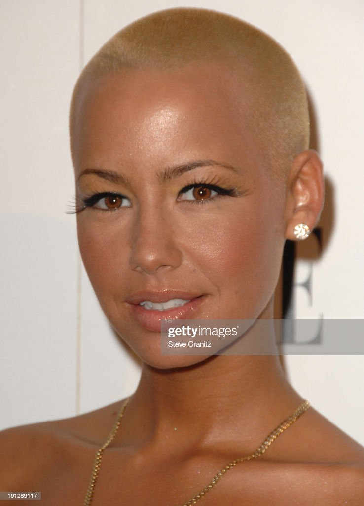 16th Annual Elle Women In Hollywood Tribute - Arrivals : News Photo