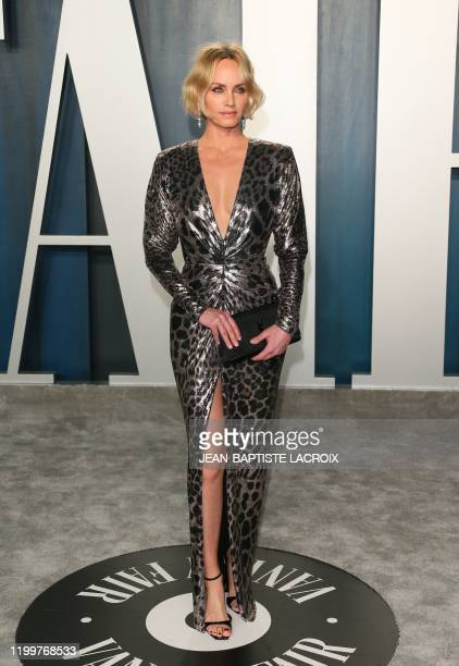 Model Amber Valletta attends the 2020 Vanity Fair Oscar Party following the 92nd Oscars at The Wallis Annenberg Center for the Performing Arts in...