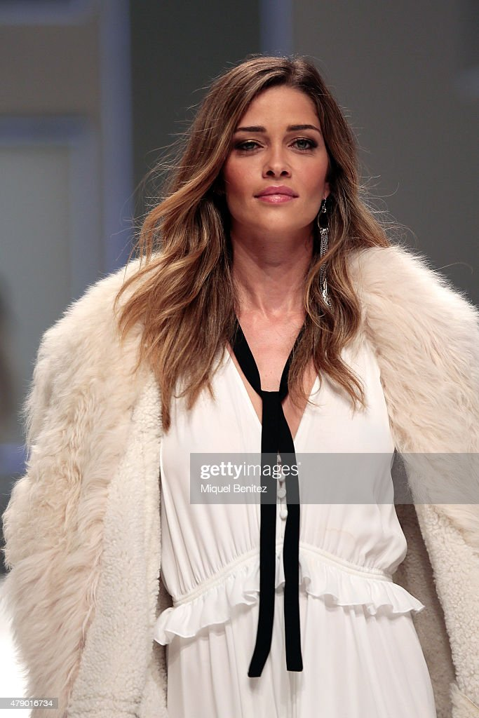 Model Ana Beatriz Barros walks the runway for the Mango fashion show at 'Barcelona 080 Fashion Autumn\Winter 2015-2016' at the Olympic Stadium of Barcelona on June 29, 2015 in Barcelona, Spain.