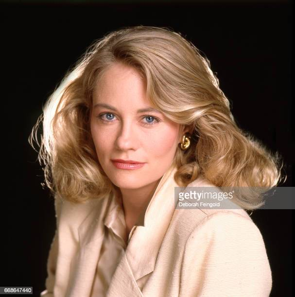 Model and actress Cybill Shepherd poses for a portrait in 1985 in Los Angeles California