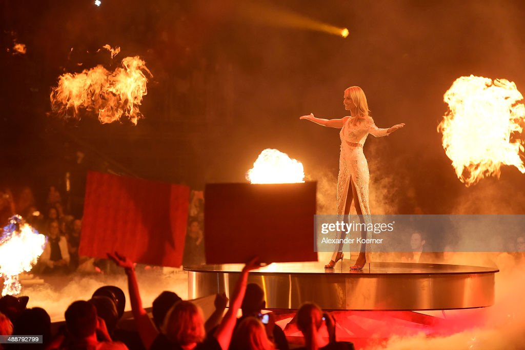 Model and presenter Heidi Klum is pictured during the final of Germany's Next Top Model«TV show at Lanxess Arena on May 8, 2014 in Cologne, Germany. The three finalists Ivana Teklic, Jolina Fust and Stefanie Giesinger will compete during the TV show for the top model crown.