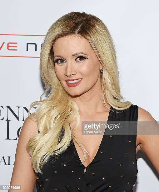 1 386 Holly Madison Photos Photos And Premium High Res Pictures Getty Images