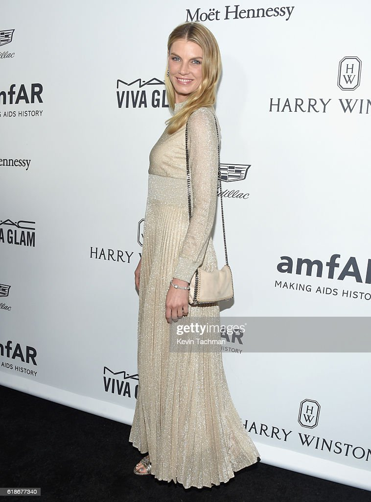 Model Angela Lindvall attends amfAR's Inspiration Gala at Milk Studios on October 27, 2016 in Hollywood, California.