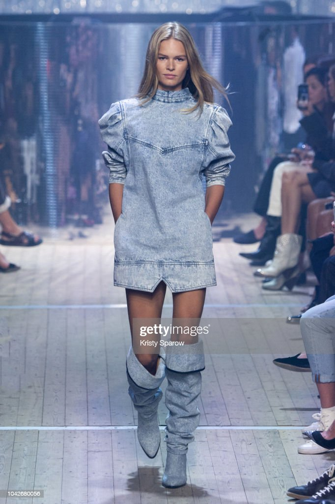 model-anna-ewers-walks-the-runway-during-the-isabel-marant-show-as-picture-id1042680056