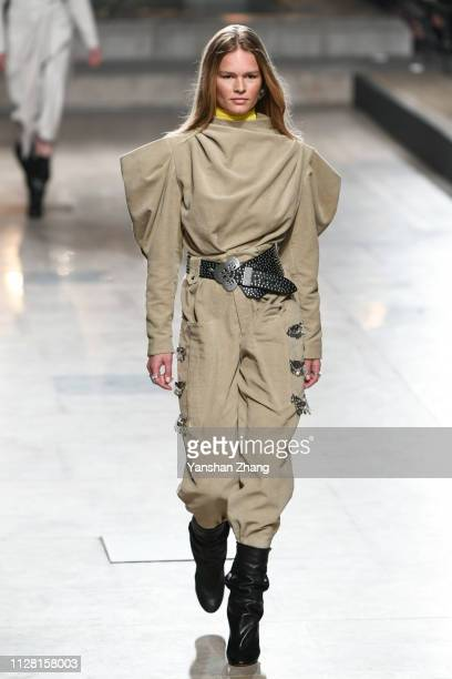 Model Anna Ewers walks the runway during the Isabel Marant show as part of the Paris Fashion Week Womenswear Fall/Winter 2019/2020 on February 28...