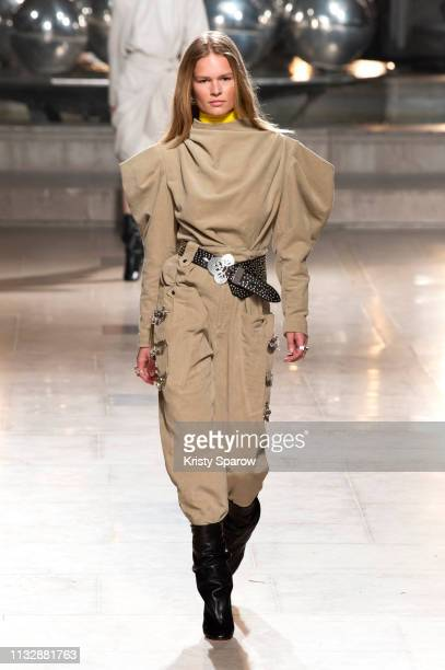 Model Anna Ewers walks the runway during the Isabel Marant show as part of Paris Fashion Week Womenswear Fall/Winter 2019/2020 on February 28 2019 in...