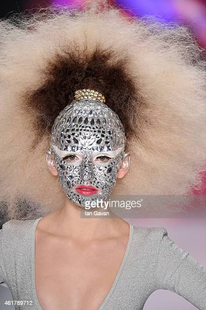 Model Anna Wilken walks the runway at the It's Showtime Maybelline New York 100th Anniversary show during the MercedesBenz Fashion Week Berlin...