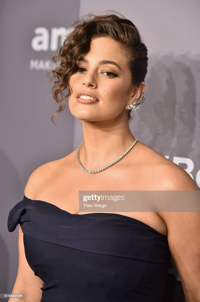 Model Ashley Graham attends the 2018 amfAR Gala New York at Cipriani Wall Street on February 7, 2018 in New York City.