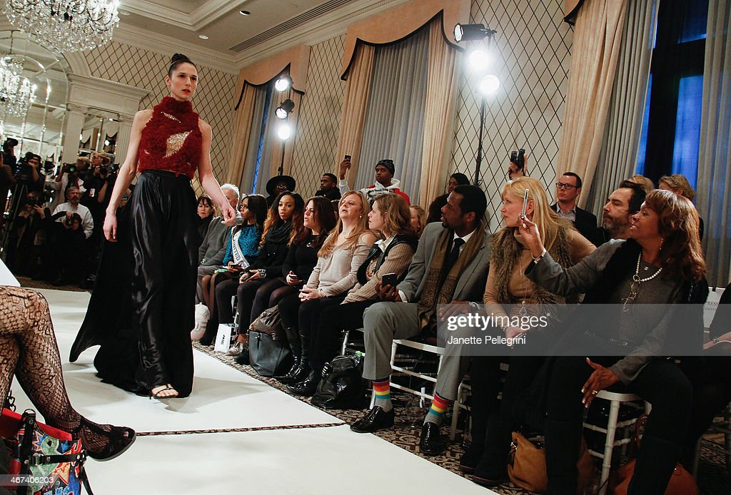 A Model Attends The Dore Fashion Show During Mercedes Benz Fashion News Photo Getty Images