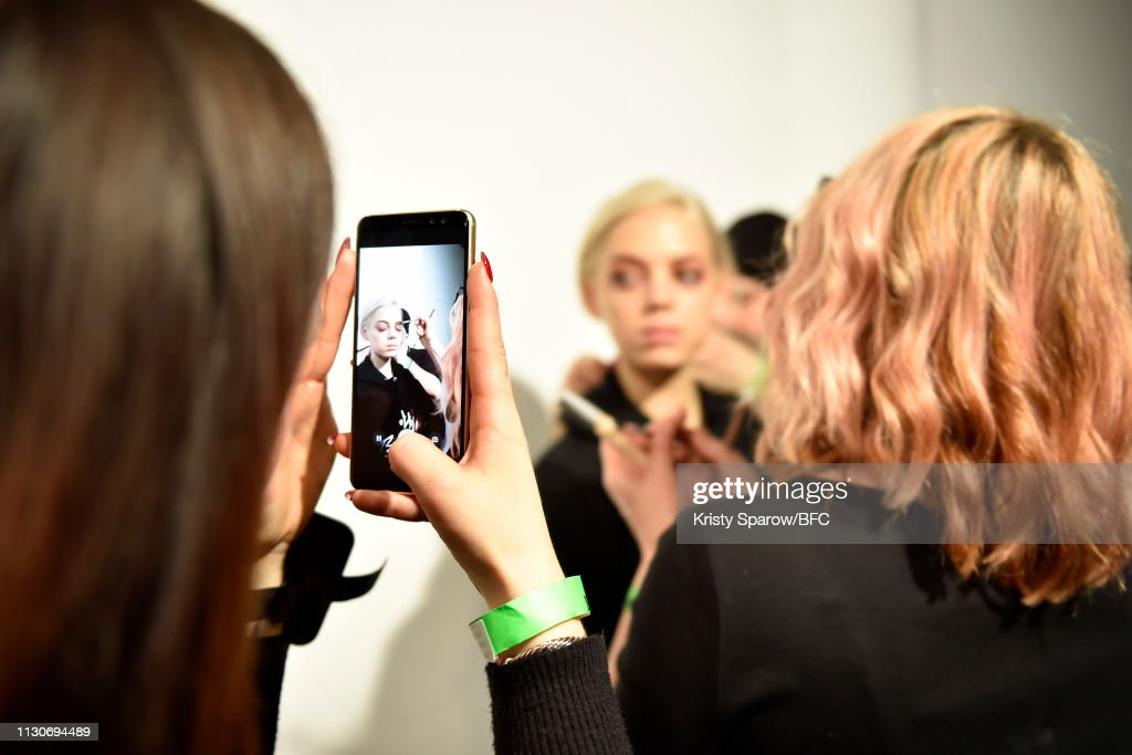 GBR: Roberta Einer - Backstage - LFW February 2019