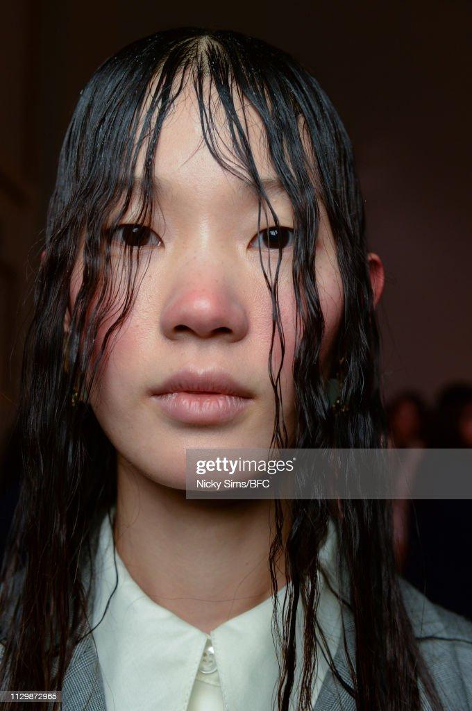 GBR: Xu Zhi - Backstage - LFW February 2019