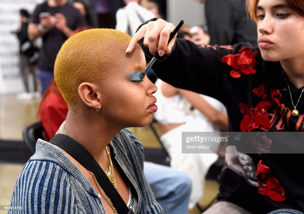 Moschino Spring/Summer 18 Menswear And Women's Resort Collection - Backstage : News Photo
