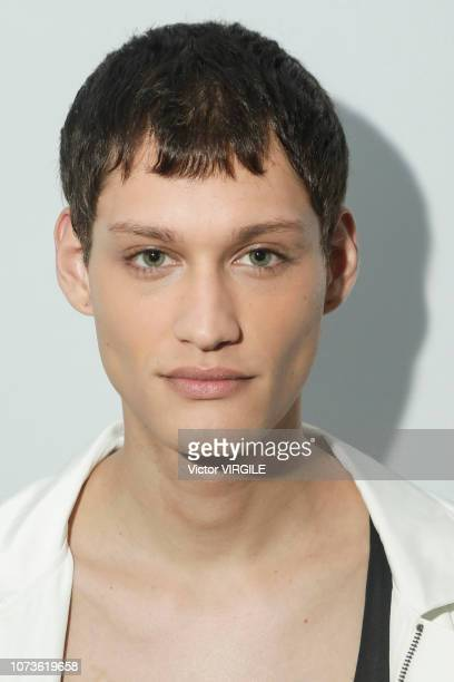 A model backstage during the Ratier fashion show during Sao Paulo Fashion Week N46 Fall/Winter 2019 on October 26 2018 in Sao Paulo Brazil