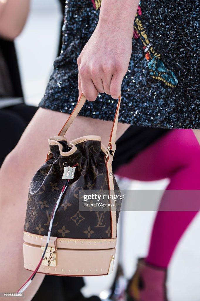 Louis Vuitton Resort 2018 Show - Runway : News Photo