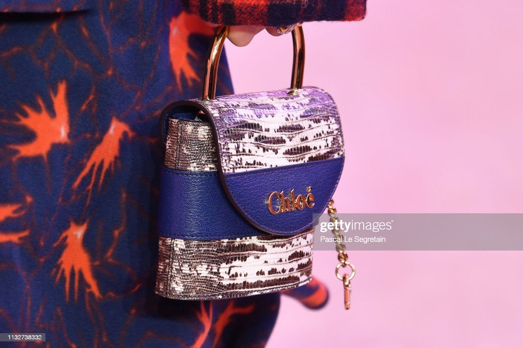 Chloe : Runway - Paris Fashion Week Womenswear Fall/Winter 2019/2020 : ニュース写真