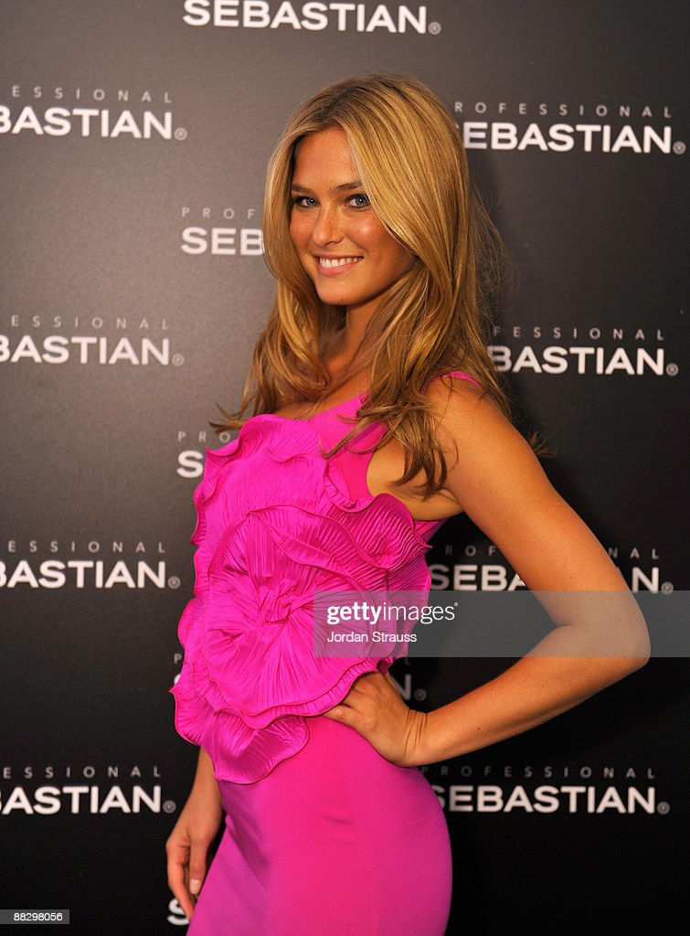 Bar Refaeli Pink Dress
