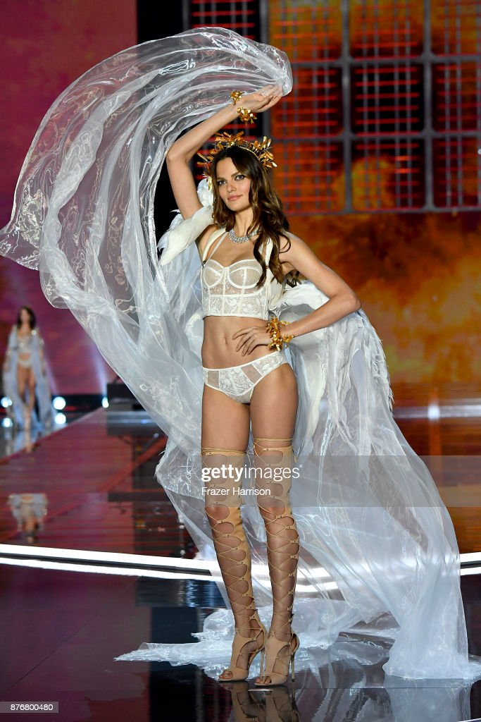 Model Barbara Fialho walks the runway during the 2017 Victoria's Secret Fashion Show In Shanghai at Mercedes-Benz Arena on November 20, 2017 in Shanghai, China.