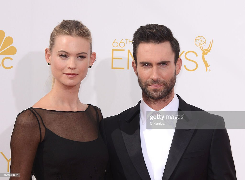 66th Annual Primetime Emmy Awards - Arrivals : Fotografía de noticias