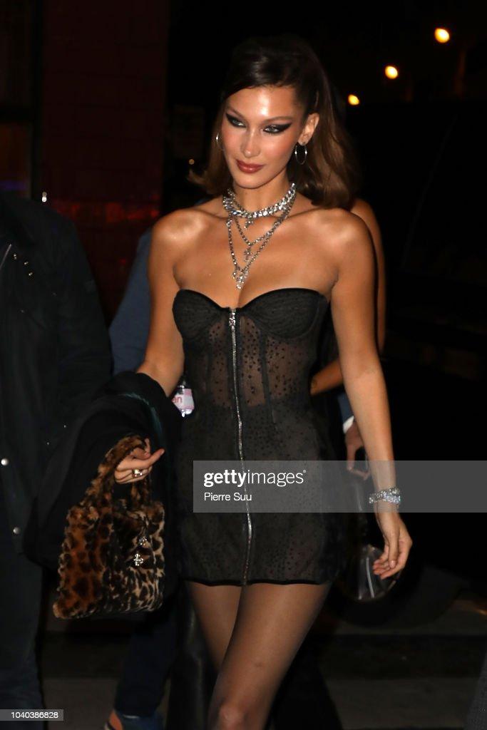 Celebrity Sightings : Paris Fashion Week Womenswear Spring/Summer 2019 : Day Two : News Photo