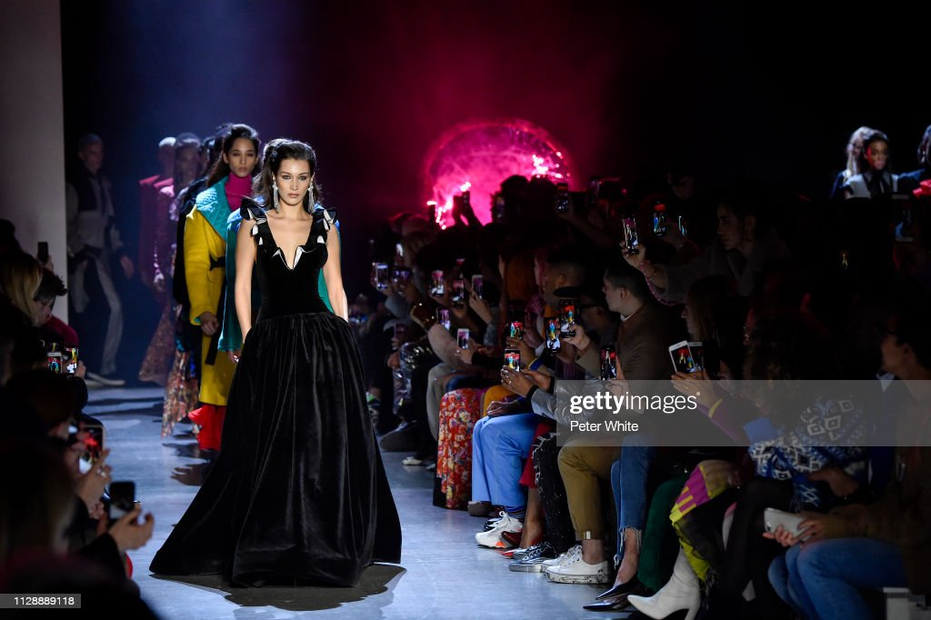 Prabal Gurung - Runway - February 2019 - New York Fashion Week : News Photo