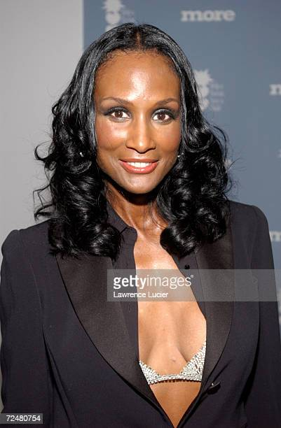 Model Beverly Johnson arrives at the Changing Destiny Awards and 50 Celebrate 50 Gala February 20 2002 in New York City The gala benefits Help a...
