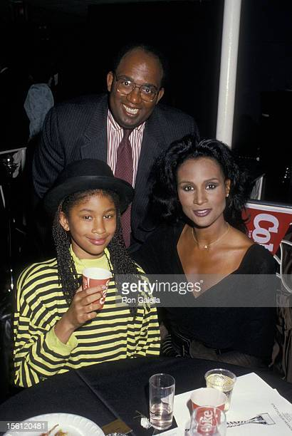Model Beverly Johnson daughter Anna Sue Johnson and TV personality Al Roker attending 'Pioneers of Excellence Awards' on March 16 1988 at the...