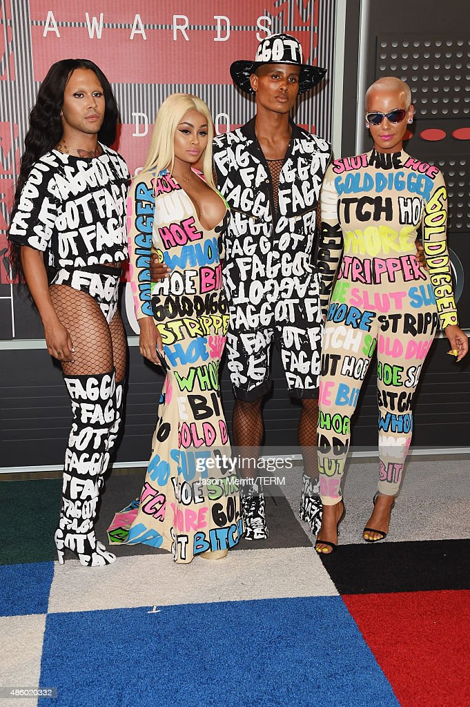 Model Blac Chyna (2ndL) and model Amber Rose (R) attend the 2015 MTV Video Music Awards at Microsoft Theater on August 30, 2015 in Los Angeles, California.